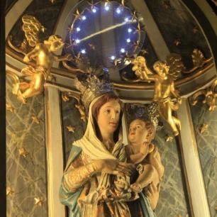 Altare alla Madonna particolare
