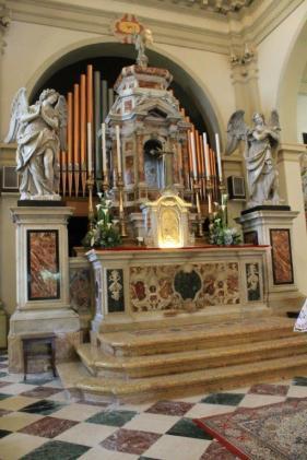 Altare maggiore.
