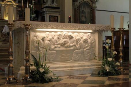 Chiesa altare marmoreo